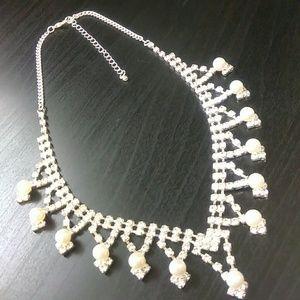 Jewelry - Rhinestone & Pearl Necklace